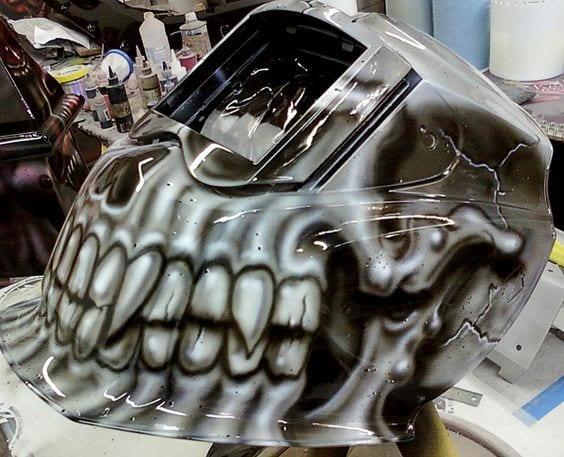 welding helmet by Avenious