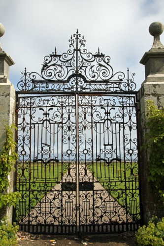 fancy gate design