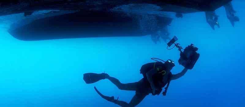 Underwater-Photographer-1