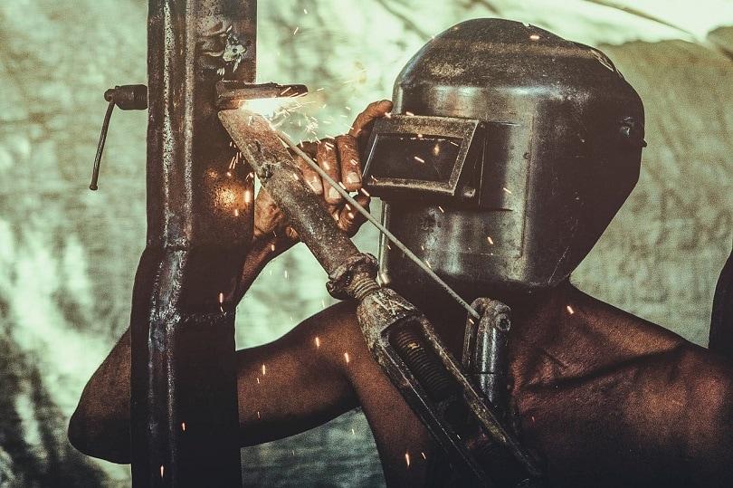 metal welder helmet-pixabay