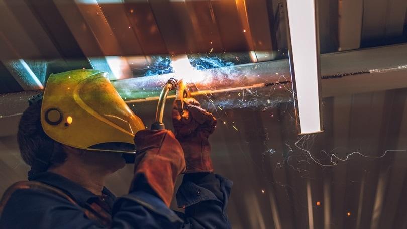 MIG-MAG-welding-machine_Vadim-Kulikov_shutterstoock