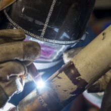 close up_pipe welding