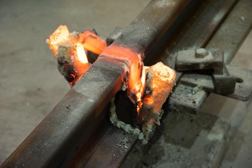 Exothermic-welding_Duke.of_.arcH_shutterstock