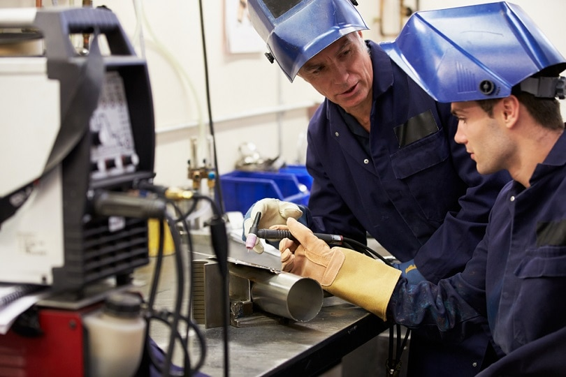 Teaching-Apprentice-To-Use-TIG-Welding-Machine_Monkey-Business-Images_shutterstock