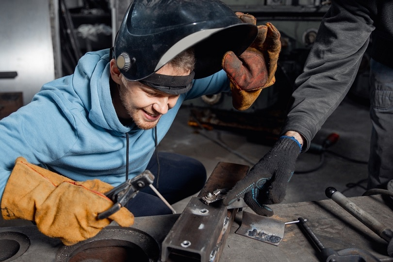 Training-weld-young-male-student_Parilov_shutterstock
