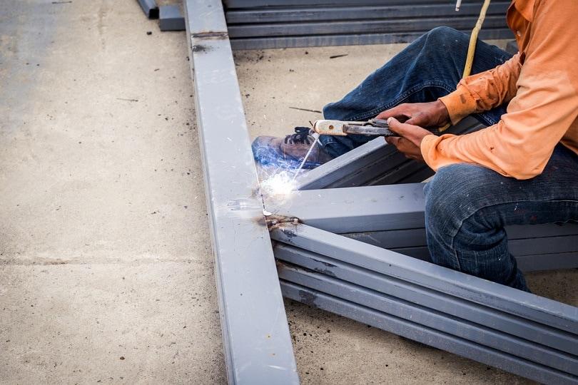 hand-man-arc-welding-or-stick-welding-iron_Tortoon_shutterstock
