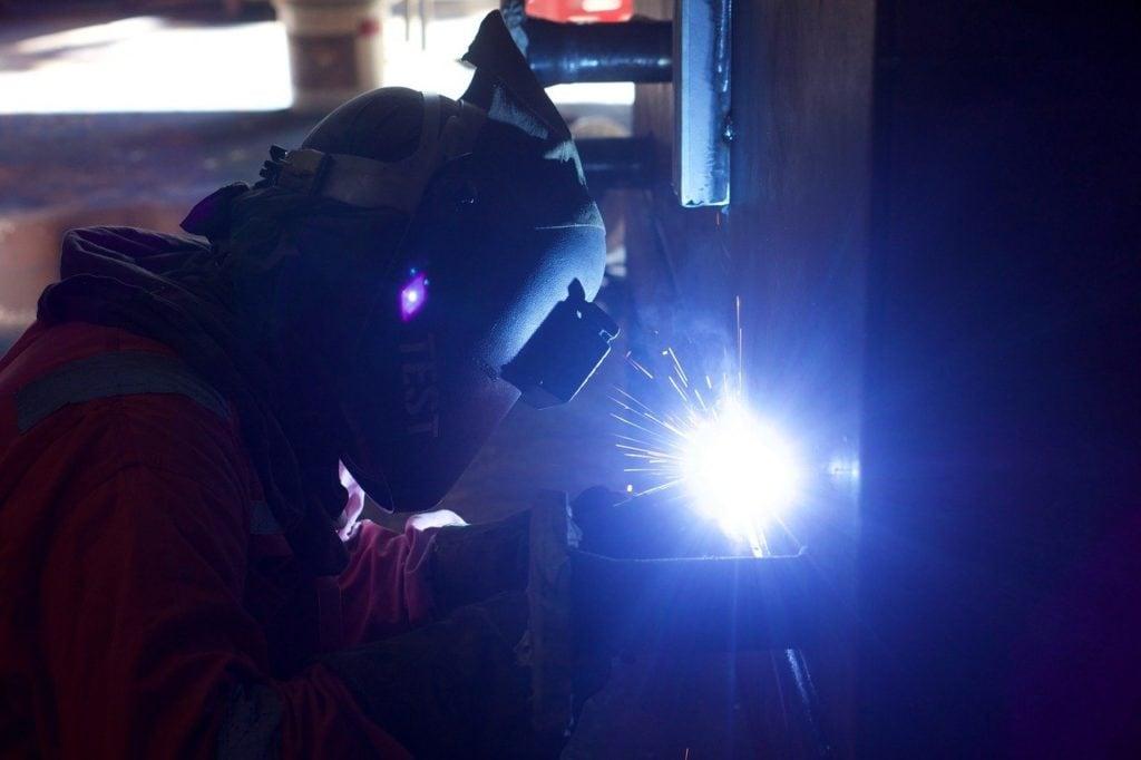 torch cutting metal