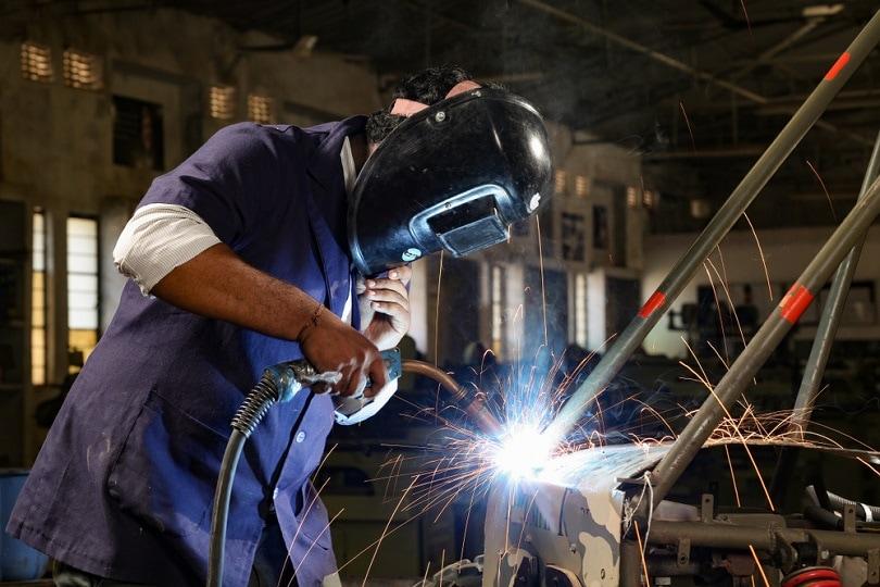 welder-who-does-spot-welding_shivani-Hansraj-Dhargave_shutterstock
